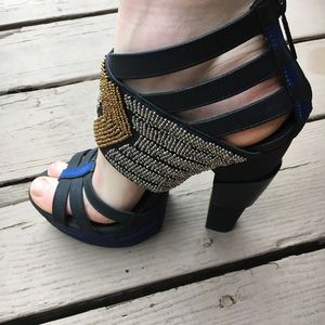 NWOT Michael Antonio Vivdia creative funky heels